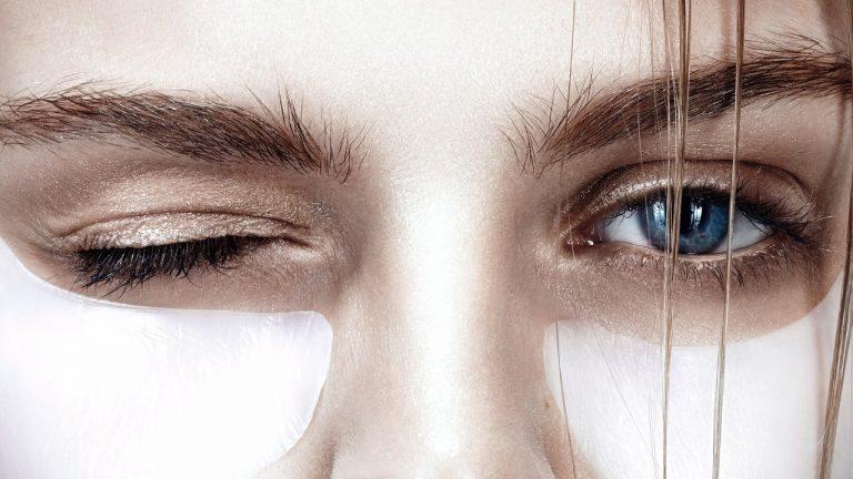 تخفیف زیبایی - جوانسازی دور چشم